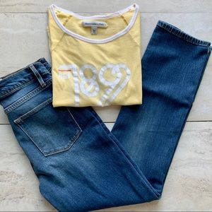 💟Abercrombie & Fitch Yellow Vintage Graphic Tee